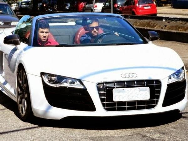 Neymar-Audi-R8